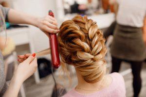بهترین آموزشگاه آرایشی زنانه چه ویژگی هایی دارد؟